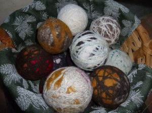 Basket of dryer balls